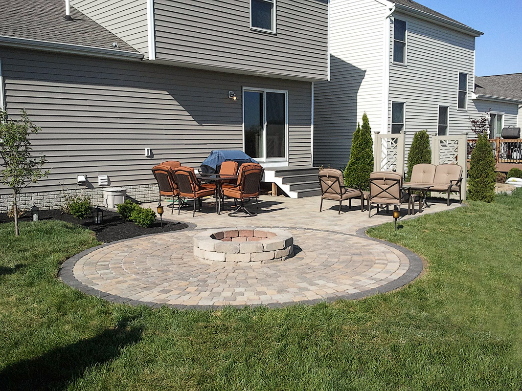 Landscape Design by Auman Landscape LLC. Installation in Fairifield County Ohio. Paver patio in Lancaster, Ohio. Paver patio. Paver Installation.
